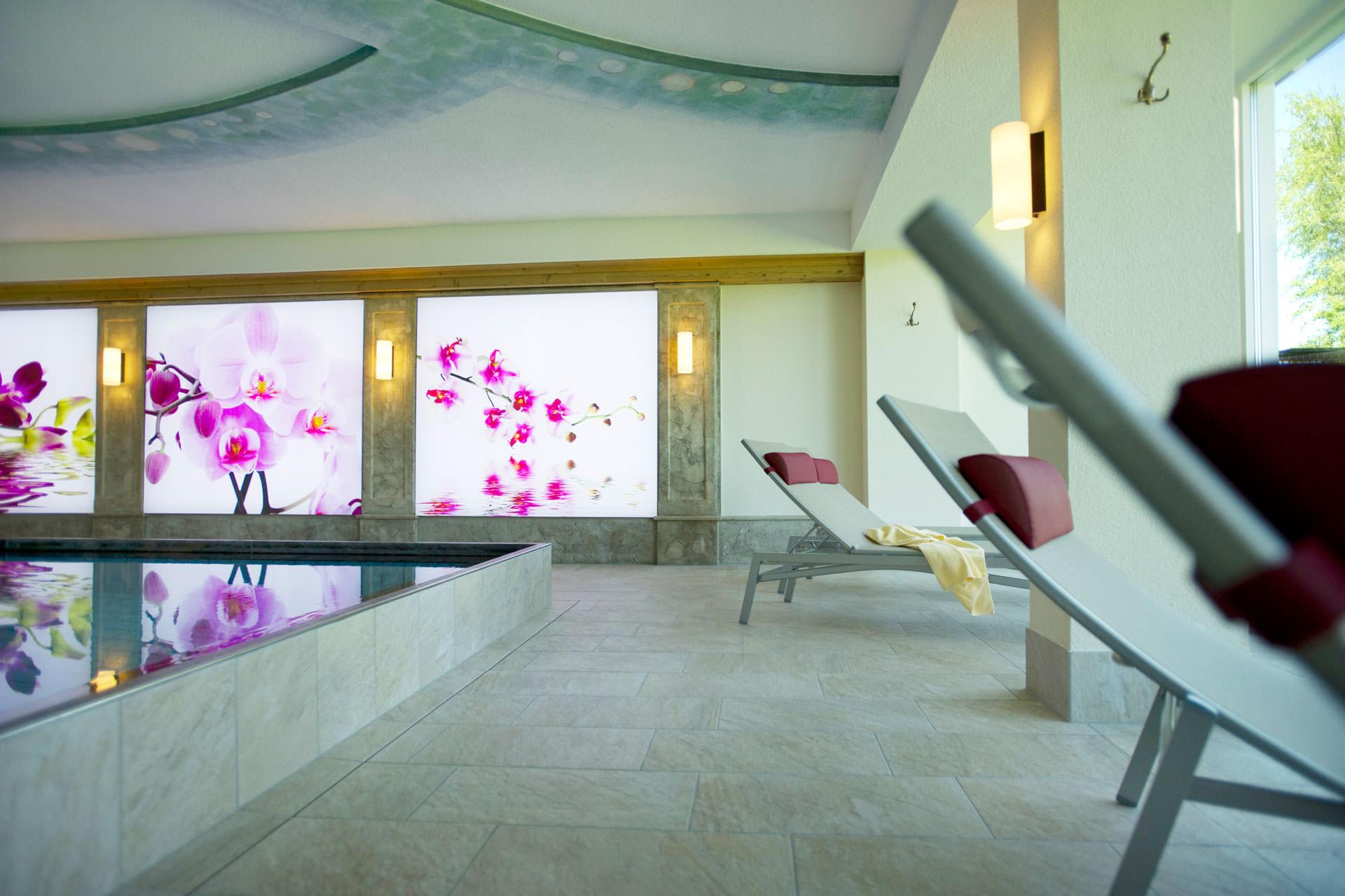 Hallenbad in pertisau am achensee wellness im das pfandler for Modernes wellnesshotel