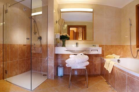 Badezimmer in der Pfandler Suite