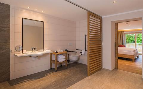 Opern bathroom, barrier-free in the room Grenzenlos