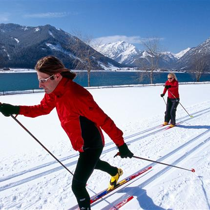Cross-country skiing couple