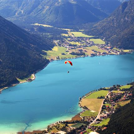 Paragliding at the lake