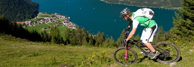 Mountainbiker in den Bergen